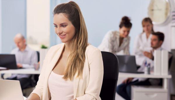 Увольнение беременной женщины по срочному договору