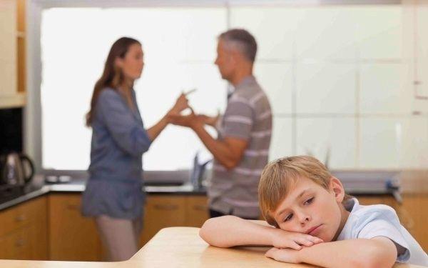 До какого возраста платят алименты на ребенка?